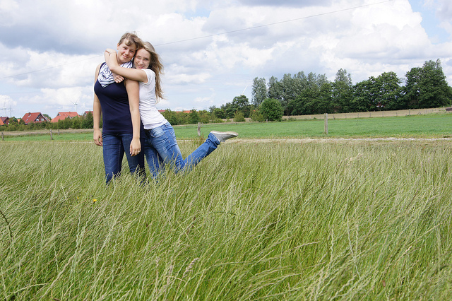 relationship with friends essay Positive teenage friends and friendships are an important part of the journey to adulthood for your child  strong relationships with both parents and friends help.